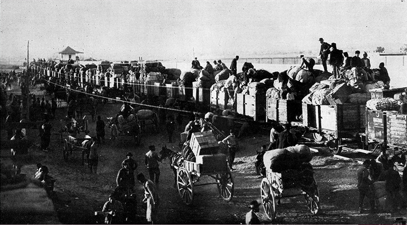 Adana Armenians loading on to the trains to be deported to Syria, September 1915. Armenian Genocide Museum.