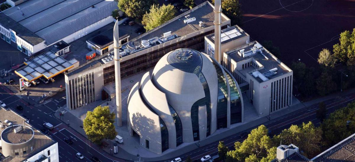 During his visit to Germany on September 29, 2018, Turkish President Recep Tayyip Erdogan will open the central mosque of the highly controversial Islamic organization Ditib.